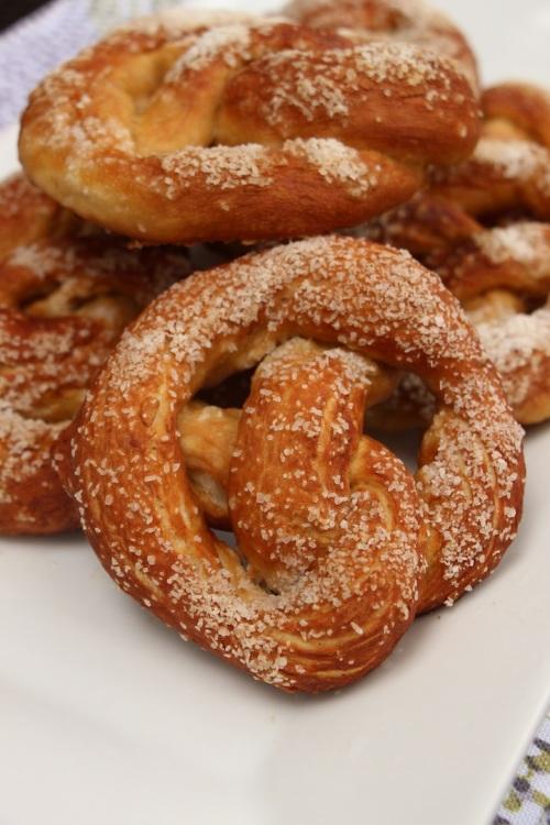 Minimized salty soft pretzels